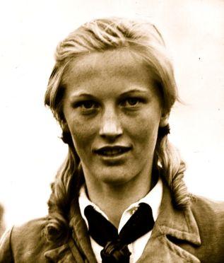 Deutsches Mädel, 1936