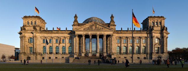 1920px-Reichstag_building_Berlin_view_from_west_before_sunset