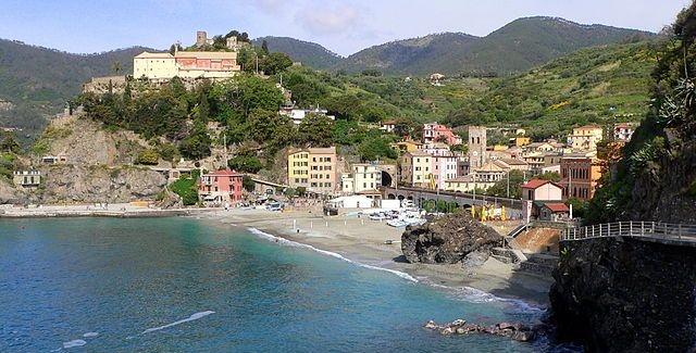 640px-monterosso_al_mare-panorama-convento_dei_cappuccini-flickr.jpg