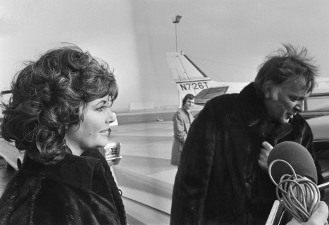 Liz_Taylor_and_Richard_Burton_1971